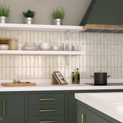 Vestige Gesso 6,5x20 cm.: Cocinas de estilo  de Equipe Ceramicas