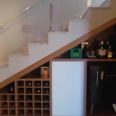 Bodegas de vino de estilo moderno por Arquiteta Carol Algodoal Arquitetura e Interiores