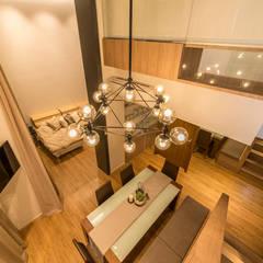 Design & Build: Condominium @ Eunos (Modern Scandinavian):  Dining room by erstudio Pte Ltd