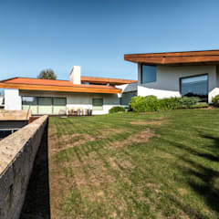 Villa by João Boullosa