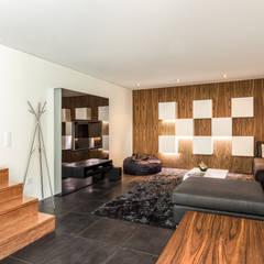 Moradia V3 - Imobiliário: Salas multimédia  por João Boullosa