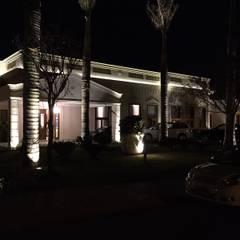 residencia: Condomínios  por VIVIANE BONINI ARQUITETURA E INTERIORES