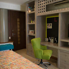 Girls Bedroom by NISPERO HOME