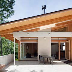 1F テラス: 内海聡建築設計事務所が手掛けた庭です。