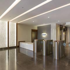 YBM Tasarım Dekoratif Cam Paneller – CAPITAL TOWER:  tarz Ofisler ve Mağazalar