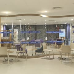Glass screen in specialist hospital :  Hospitals by Ion Glass