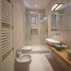 Ristrutturazione Appartamento Storico a Firenze: Bagno in stile  di JFD - Juri Favilli Design