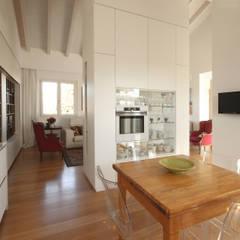 Cucina Design Minimale: Cucina attrezzata in stile  di JFD - Juri Favilli Design