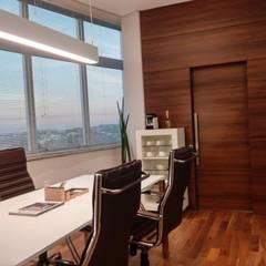 Study/office by Nuriê Viganigo