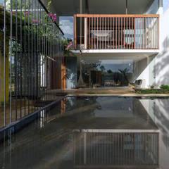 MA HOUSE:  Nhà by GERIRA ARCHITECTS,