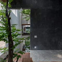 MA HOUSE:  Phòng tắm by GERIRA ARCHITECTS