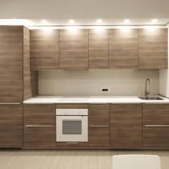 Arredamento di Design per un Monolocale a Milano: Cucina attrezzata in stile  di JFD - Juri Favilli Design
