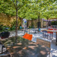 LABORATORIO LANZANI, Brescia: Bar & Club in stile  di Banfi Mirko - Fotografo