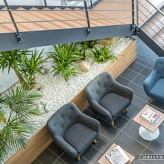 Aménagements bureaux: Bureaux de style  par Moana Photo