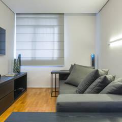 غرفة الميديا تنفيذ Ana Mendes Arquitetura