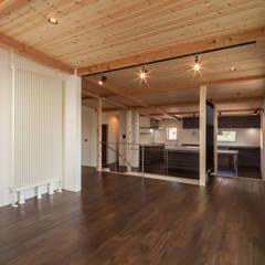 海善寺の家: 株式会社 哲・Braveデザイン工房が手掛けたサンルームです。