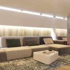 : Gimnasios de estilo  por Interior designers Pavel and Svetlana Alekseeva