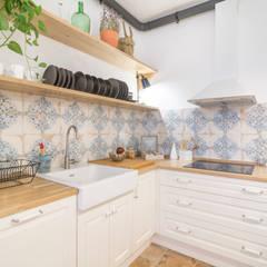 Platero Diseño Propio : Cocinas de estilo clásico por Ópera de Domingo