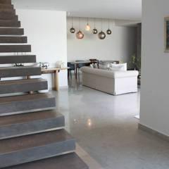 Villa Grey:  Corridor & hallway by Fares Ksouri Architecte