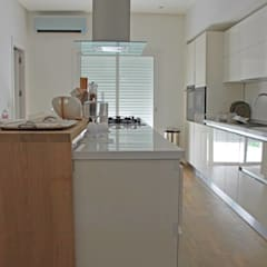 Kitchen units by Fares Ksouri Architecte, Mediterranean