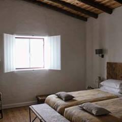 غرفة نوم تنفيذ Grupo Norma , ريفي