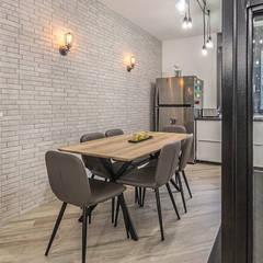 Ristrutturazione appartamento 85 mq Roma, Casilina: Cucina in stile in stile Industriale di Facile Ristrutturare