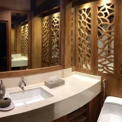 BP restroom:  Kantor & toko by PT. Bali Prefab