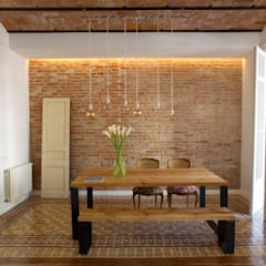 Bodegas de estilo rústico por Nghệ nhân Kiến trúc
