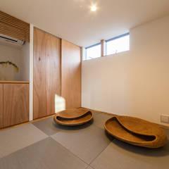 BOOK BOX: STaD(株式会社鈴木貴博建築設計事務所)が手掛けた和室です。,ミニマル