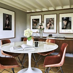 Thatched Cottage | Dining Room:  Dining room by Fawn Interiors Studio