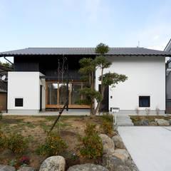 明日香の家: アトリエモノゴト 一級建築士事務所が手掛けた家です。,モダン