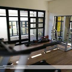 House Ramothello:  Gym by Property Commerce Architects,