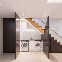 8 Harley Place:  Corridor & hallway by Sonnemann Toon Architects