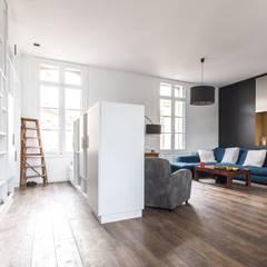 SBL: Couloir et hall d'entrée de style  par Brengues Le Pavec architectes