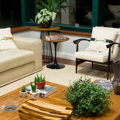 Living: Salas de estar  por GP STUDIO DESIGN DE INTERIORES