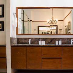 Penthouse Ortiz & Saavedra: Baños de estilo  por Tejero & Ángel Diseño de Interiores, Ecléctico