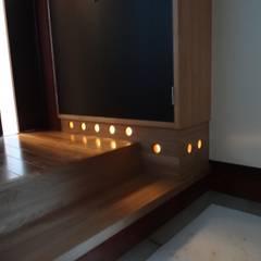 築60年古民家改修 クラシカルスタイルの 玄関&廊下&階段 の 合同会社インテリくん インテリくん1級建築士事務所 クラシック