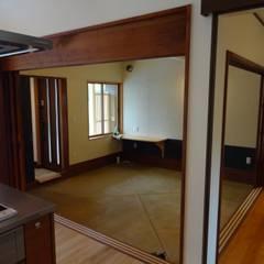 築60年古民家改修:  合同会社インテリくん  インテリくん1級建築士事務所が手掛けたガレージです。