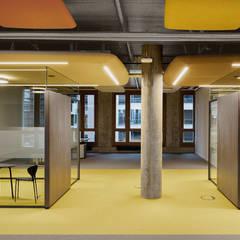 Farbwelt terra:  Bürogebäude von Andreas Weber Design