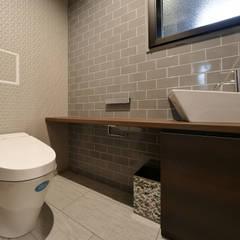 HOUSE K: 株式会社 アイシーエー・アソシエィツが手掛けた浴室です。