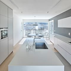 Built-in kitchens by Burnazzi  Feltrin  Architects