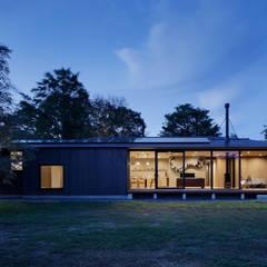 منازل تنفيذ atelier137 ARCHITECTURAL DESIGN OFFICE, أسيوي خشب متين Multicolored