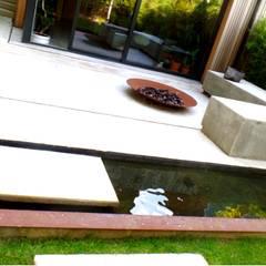 Garden Pond by GreenlinesDesign Ltd, Modern Iron/Steel