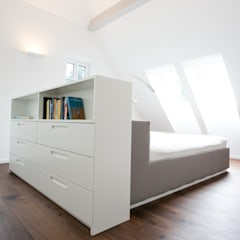 Umbau/Sanierung Villa S: minimalistische Schlafzimmer von INARCH Sabine Schimanofsky