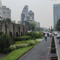 Av. Chapultepec Mexico DF: Espacios comerciales de estilo  por BARRAGAN ARQUITECTOS