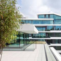 Wohn- und Geschäftshaus Schlüterstraße:  Dachterrasse von Axthelm Rolvien Architekten