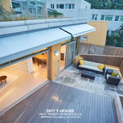 가구와 공간을 같이 계획한 인테리어: 건축일상의  베란다