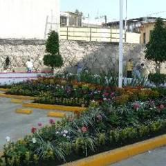Jardines del Hospital Angeles Lindavista: Hospitales de estilo  por BARRAGAN ARQUITECTOS