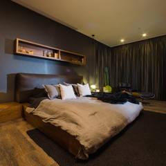 CANTAGIRONE TREPIU: Habitaciones de estilo  por Munera y Molina