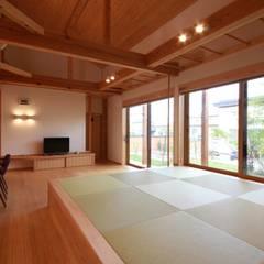 田村建築設計工房:  tarz Oturma Odası